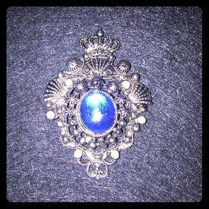 Crown Brooch.